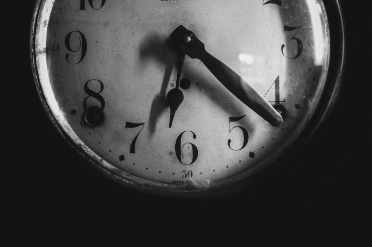 tammyleebradley_lifeinbw-time_nx30_30mmtime.jpg
